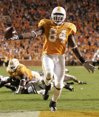 Vol DE Chris Walker returns his interception for a TD to put the Vols ahead for good. AP Photo by Wade Payne.