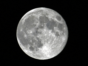 I'll just blame it on the full moon that shown above Neyland Stadium Saturday night.