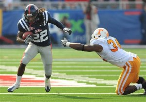 Dexter McCluster gains 282 yards against Tennessee