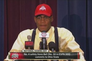 Vonn Bell wears the wrong hat.