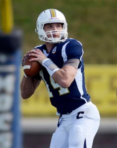 Chattanooga QB Jacob Huesman will try to be a pest to the Vols defense on Saturday.